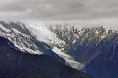 Παγετώνες Mingyong βουνών χιονιού Meili Στοκ φωτογραφία με δικαίωμα ελεύθερης χρήσης