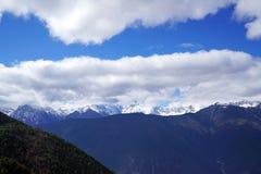 Παγετώνες Mingyong βουνών χιονιού Meili Στοκ φωτογραφίες με δικαίωμα ελεύθερης χρήσης