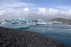 Παγετώδης λίμνη Jokulsarlon και icefloat στον ποταμό Στοκ εικόνες με δικαίωμα ελεύθερης χρήσης