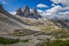 Παγκοσμίως διάσημες αιχμές Tre CIME Di Lavaredo του National πάρκου, περιοχή παγκόσμιων κληρονομιών της ΟΥΝΕΣΚΟ στους δολομίτες στοκ εικόνες
