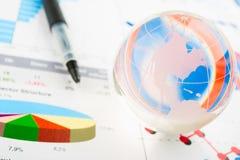 Παγκόσμιοι πόροι χρηματοδότησης στοκ εικόνες
