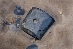Παγκόσμιος πόλεμος δύο πυρομαχικά και πυροβολικό στην παραλία Στοκ Εικόνα