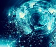 Παγκόσμιος χάρτης σε ένα τεχνολογικό υπόβαθρο, καμμένος σύμβολα γραμμών του Διαδικτύου, ραδιόφωνο, τηλεόραση, κινητός και δορυφορ διανυσματική απεικόνιση
