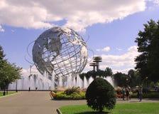 1964 παγκόσμιο δίκαιο Unisphere της Νέας Υόρκης στο ξέπλυμα του πάρκου λιβαδιών Στοκ εικόνες με δικαίωμα ελεύθερης χρήσης