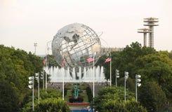 1964 παγκόσμιο δίκαιο Unisphere της Νέας Υόρκης στο ξέπλυμα του πάρκου λιβαδιών Στοκ φωτογραφία με δικαίωμα ελεύθερης χρήσης
