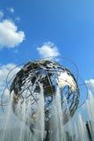 1964 παγκόσμιο δίκαιο Unisphere της Νέας Υόρκης στο ξέπλυμα του πάρκου λιβαδιών, Νέα Υόρκη Στοκ Εικόνες