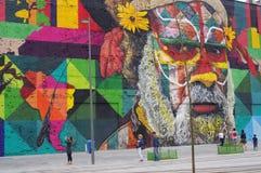 Παγκόσμιο ρεκόρ Guiness, μεγαλύτερη τοιχογραφία χρωμάτων ψεκασμού από μια ομάδα Στοκ Εικόνες