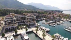 Παγκόσμιο ` s καλύτερο ναυτικό για τις έξοχες βάρκες γιοτ Πόρτο Μαυροβούνιο σε Tivat απόθεμα βίντεο