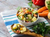 Παγωμένα λαχανικά που προετοιμάζονται για τα γρήγορα γεύματα Στοκ εικόνα με δικαίωμα ελεύθερης χρήσης