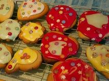 Παγωμένα μπισκότα που γίνονται από το παιδί Στοκ εικόνες με δικαίωμα ελεύθερης χρήσης