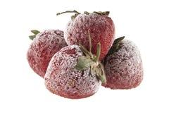 Παγωμένες φράουλες που απομονώνονται στο λευκό Στοκ Φωτογραφία