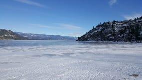 παγωμένη λίμνη Στοκ εικόνα με δικαίωμα ελεύθερης χρήσης