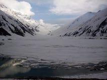 Παγωμένη λίμνη Saif ul Malook Στοκ φωτογραφία με δικαίωμα ελεύθερης χρήσης