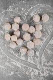 Παγωμένη εκλεκτική εστίαση μπουλεττών κρέατος Υπόβαθρο Τοπ άποψη μπουλεττών Πολλές μπουλέττες Σχέδιο Varenyky στοκ εικόνες