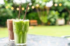 παγωμένη σοκολάτα milkshake και παγωμένο πράσινο τσάι με το γάλα στοκ φωτογραφία με δικαίωμα ελεύθερης χρήσης