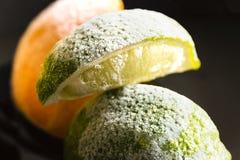 Παγωμένος ασβέστης εσπεριδοειδών και πορτοκαλιά βιταμίνη C, κρύα προστασία Στοκ εικόνα με δικαίωμα ελεύθερης χρήσης