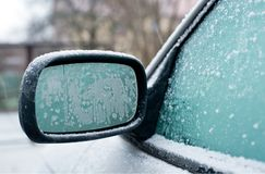 Παγωμένος καθρέφτης αυτοκινήτων Στοκ Φωτογραφία