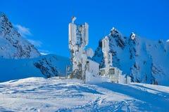 Παγωμένος καιρικός σταθμός στη λίμνη Balea στα βουνά Fagaras, Ρουμανία στοκ εικόνα με δικαίωμα ελεύθερης χρήσης