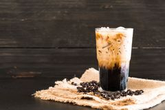 Παγωμένος καφές με το γάλα στοκ φωτογραφίες