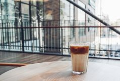 Παγωμένος καφές στη καφετερία στοκ εικόνα με δικαίωμα ελεύθερης χρήσης