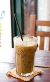 Παγωμένος καφές στον ξύλινο πίνακα Στοκ Εικόνα