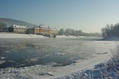 Παγωμένος ποταμός Elbe σε Schloss Pillnitz †«Δρέσδη, Σαξωνία, Γερμανία στοκ φωτογραφία