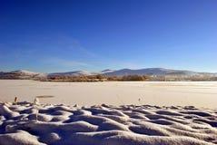 παγωμένο έκταση απέραντο ύδ&o Στοκ φωτογραφίες με δικαίωμα ελεύθερης χρήσης