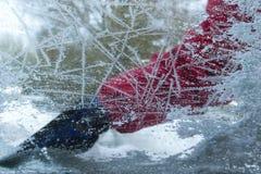 παγωμένο αυτοκίνητο παράθ Στοκ φωτογραφία με δικαίωμα ελεύθερης χρήσης