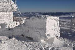 Παγωμένο αυτοκίνητο στο χειμώνα Στοκ Εικόνες