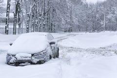 Παγωμένο αυτοκίνητο το χειμώνα Στοκ εικόνες με δικαίωμα ελεύθερης χρήσης