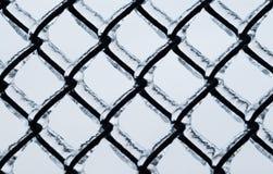Παγωμένο μεγάλο σχέδιο φρακτών αλυσίδα-συνδέσεων Στοκ φωτογραφία με δικαίωμα ελεύθερης χρήσης