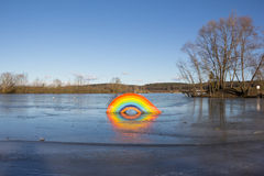 Παγωμένο ουράνιο τόξο στο χωριό βασιλιάδων λιμνών Στοκ φωτογραφία με δικαίωμα ελεύθερης χρήσης