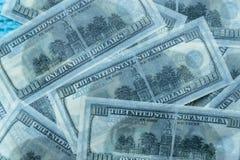 100 παγωμένο δολάρια λειωμένο μέταλλο Στοκ εικόνα με δικαίωμα ελεύθερης χρήσης