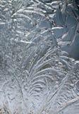 Παγωμένο σχέδιο στο παγωμένο παράθυρο Στοκ φωτογραφία με δικαίωμα ελεύθερης χρήσης