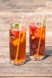 Παγωμένο τσάι με το λεμόνι και τη μέντα Στοκ φωτογραφία με δικαίωμα ελεύθερης χρήσης
