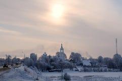 Παγωμένο χειμερινό χωριό Στοκ εικόνα με δικαίωμα ελεύθερης χρήσης