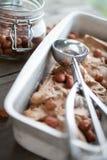Παγωτό φουντουκιών σοκολάτας Στοκ Εικόνες