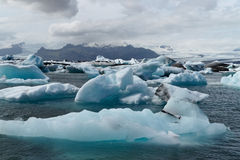 παγόβουνα κόλπων icelands joekulsarlon Στοκ Φωτογραφίες