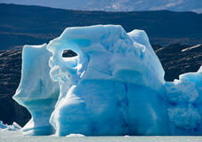 Παγόβουνα στο νερό, ο παγετώνας Perito Moreno Αργεντινοί Στοκ εικόνες με δικαίωμα ελεύθερης χρήσης