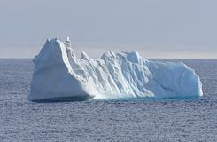 Παγόβουνο στην υψηλή Αρκτική στοκ φωτογραφία
