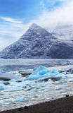 Παγόβουνο στη λίμνη παγετώνων Fjallsarlon, Ισλανδία Στοκ φωτογραφία με δικαίωμα ελεύθερης χρήσης