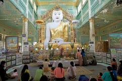 Παγόδα αντικνημίων Oo Pone Nya Sone, το Μιανμάρ στοκ εικόνα με δικαίωμα ελεύθερης χρήσης