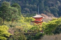 Παγόδα μέσα στο ναό kiyomizu Στοκ Φωτογραφίες