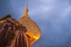 Παγόδα Kyaiktiyo ή χρυσός βράχος στο Μιανμάρ Στοκ φωτογραφίες με δικαίωμα ελεύθερης χρήσης