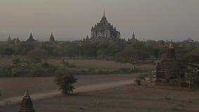 Παγόδα Thatbyinnyu στο ηλιοβασίλεμα, Bagan απόθεμα βίντεο