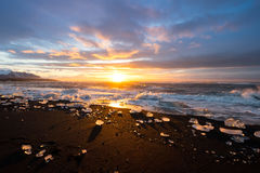 Παγώνει στην παραλία Jokulsarlon στη νοτιοανατολική Ισλανδία Στοκ εικόνες με δικαίωμα ελεύθερης χρήσης