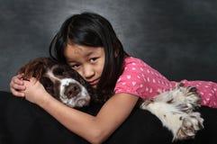 Παιδί και σκυλί Στοκ φωτογραφίες με δικαίωμα ελεύθερης χρήσης