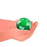Παιδί που κρατά την πράσινη γη. Ελεύθερη απεικόνιση δικαιώματος