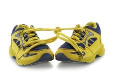 παιδί που τρέχει τα παπούτ&sigma Στοκ Φωτογραφία