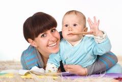 παιδί το mom της Στοκ εικόνες με δικαίωμα ελεύθερης χρήσης